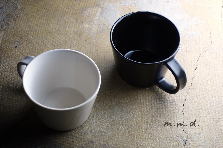 monochrome lineのマグカップ