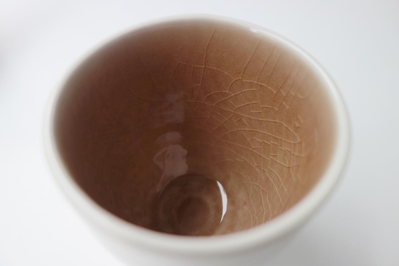 湯のみの内側